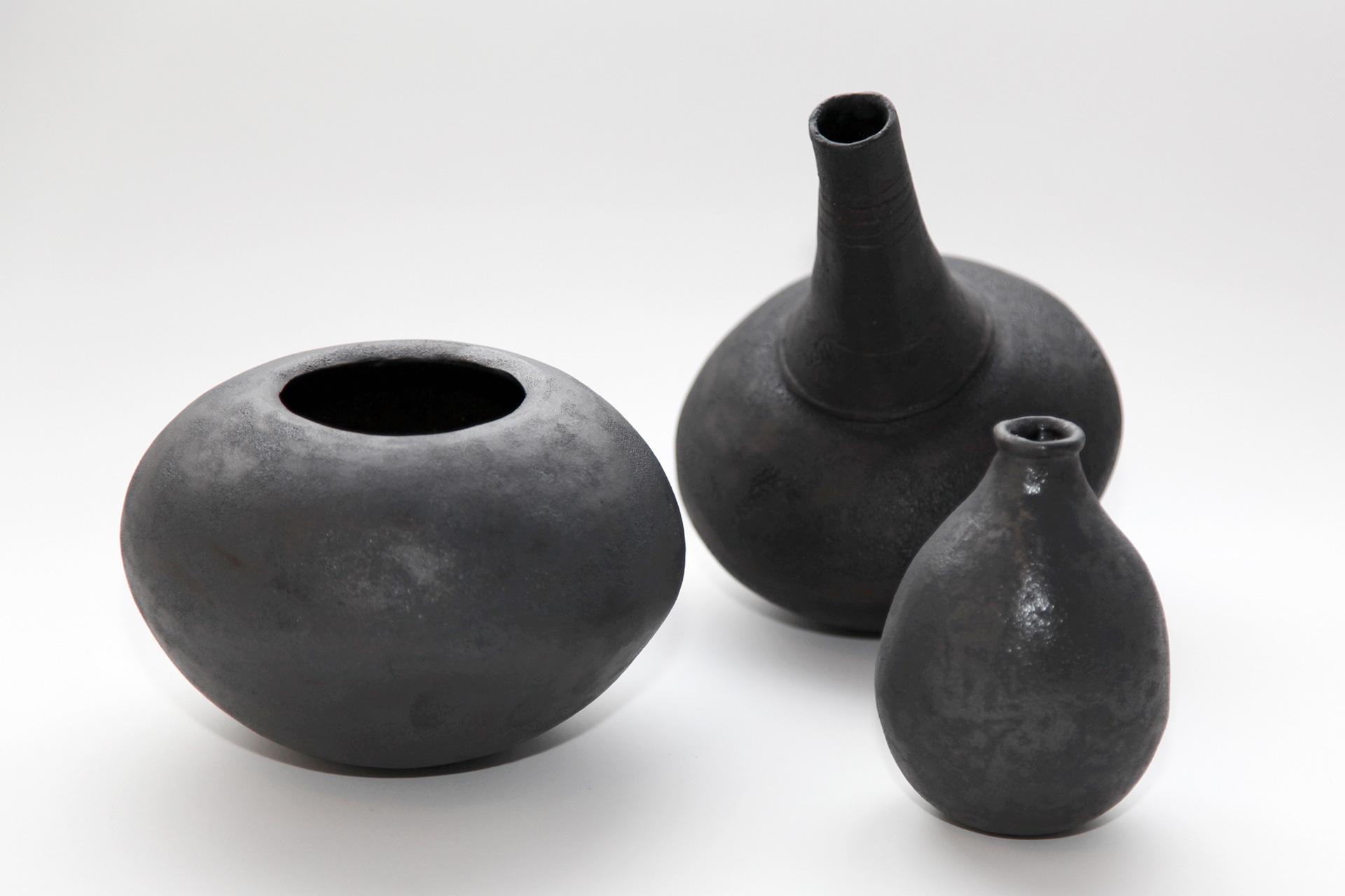 schwarze vase 3 ladengalerie sphinx. Black Bedroom Furniture Sets. Home Design Ideas